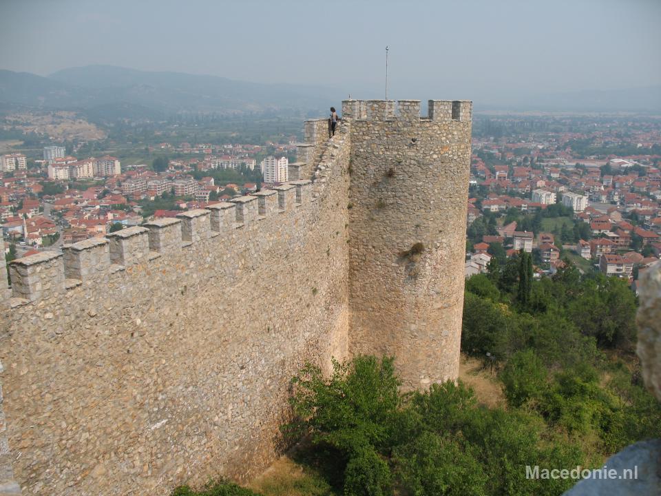 Oude kasteelmuur en -toren